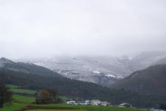 Empieza a caer nieve en los alrededores de Anleo 21-02-05 - Se abre en ventana nueva