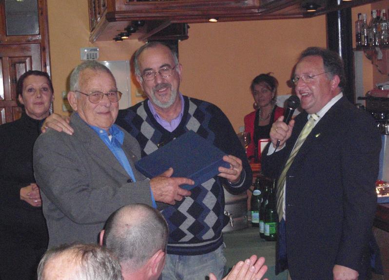 SOCIO recibe la placa homenaje Emilio Sánchez Fdez.