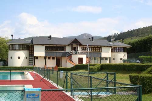 Local social e instalaciones deportivas. - Se abre en ventana nueva