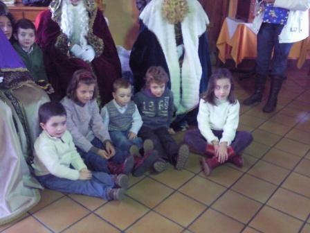 niños que fueron a ver los Reyes - Se abre en ventana nueva