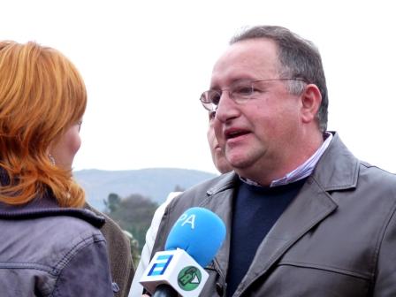 Entrevistando el Presidente de la Asociación de Vecinos - Se abre en ventana nueva