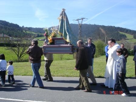 de procesión por la carretera (2010) - Se abre en ventana nueva
