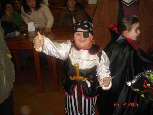 Niño disfrazado de pirata. - Se abre en ventana nueva